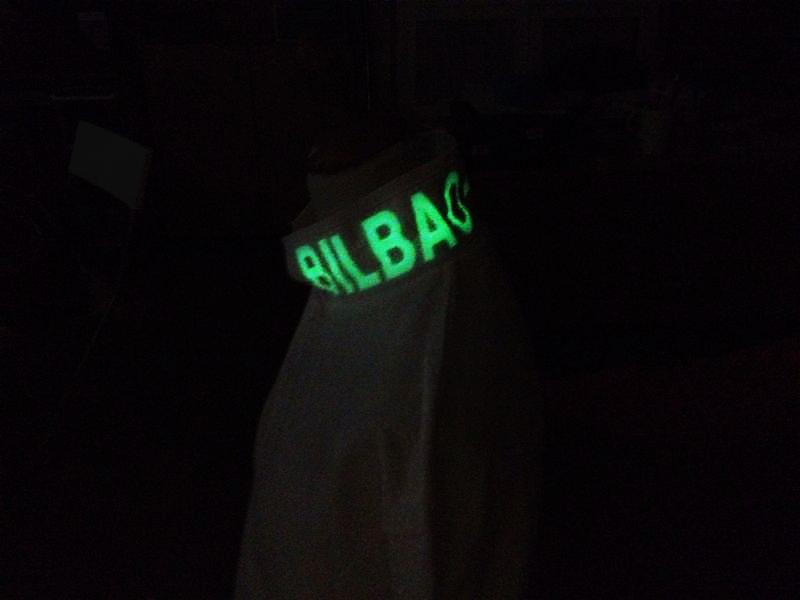 Polo Bilbao-Bilbao fluorescente
